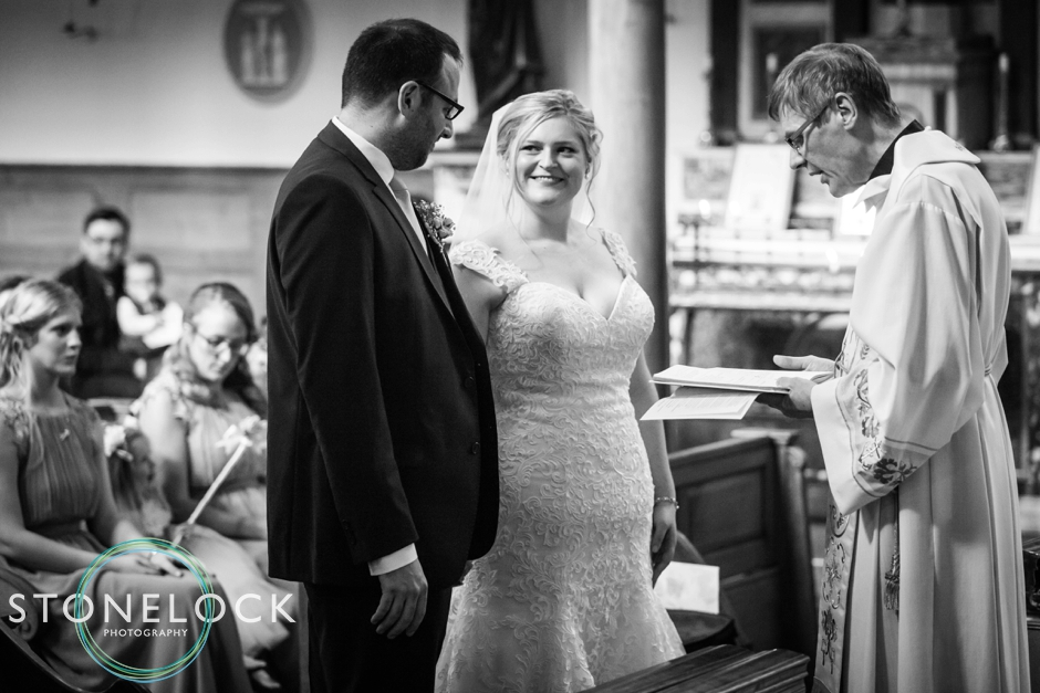 Top tips for great wedding photography, bride & groom church ceremony