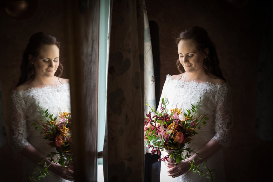 006-ridge-farm-studios-surrey-wedding-photography-bride-getting-ready