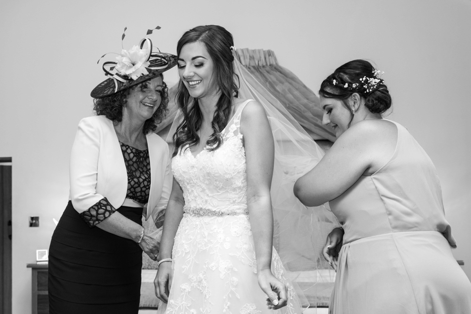 013-rivervale-barn-hampshire-wedding-photography-bride-getting-ready